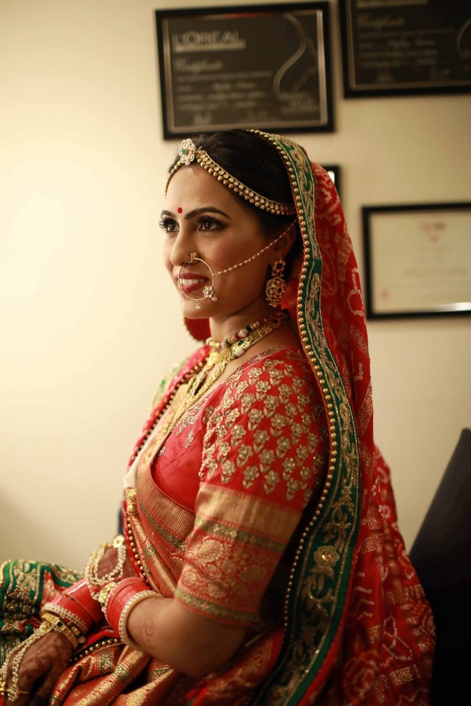 Gujarati bride wedding outfit
