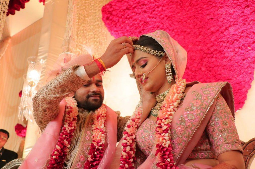 Kolkata bride & Rajasthani groom