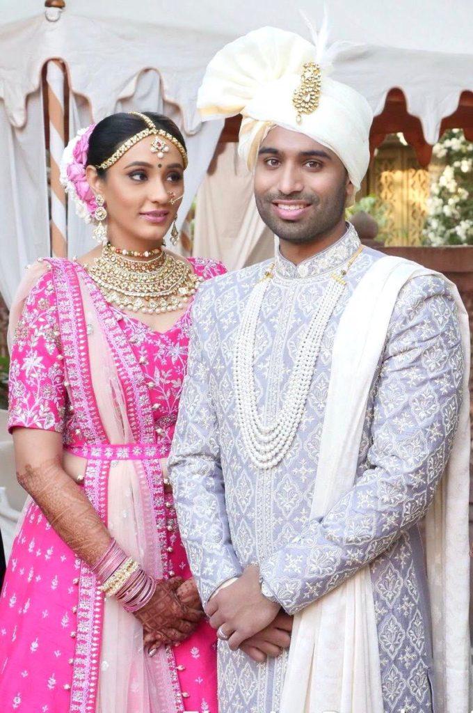 Gujarati bride & groom wedding portraits