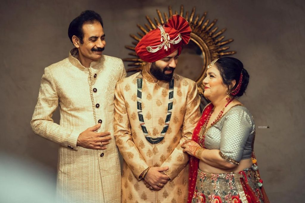 Indian groom wedding outfit