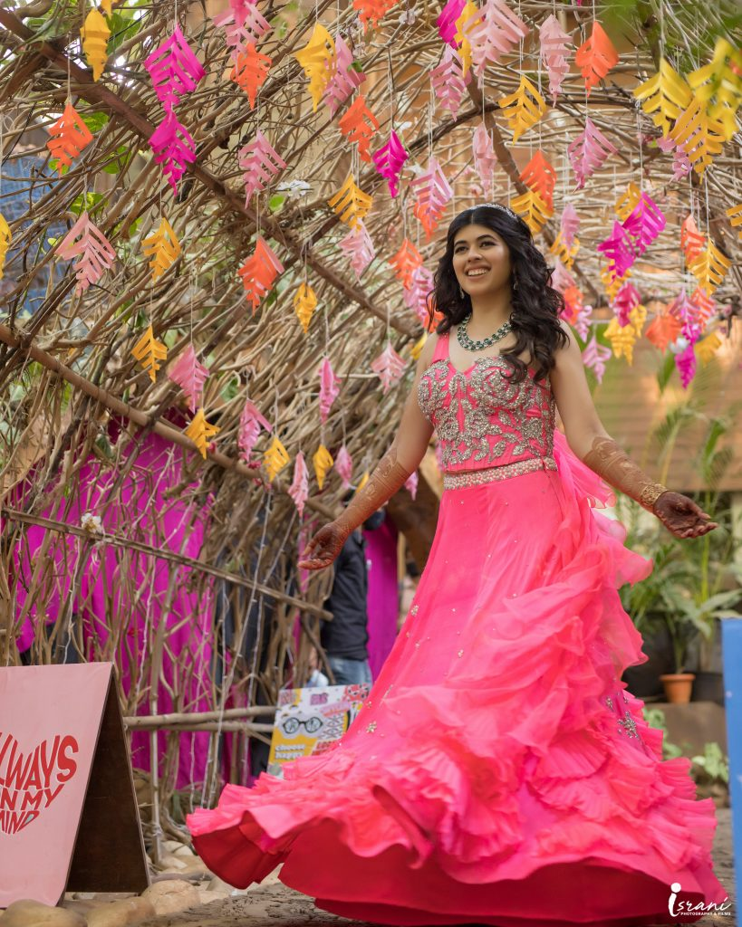 Bride in Pink lehenga for Mehendi