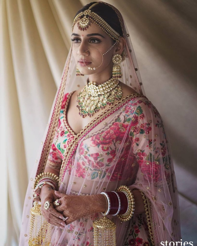 Sanjana Ganesan wedding outfit