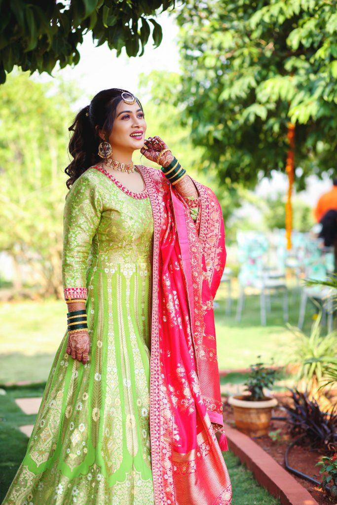 Love Lagna Locha Actress Ruchita Mehendi Photo